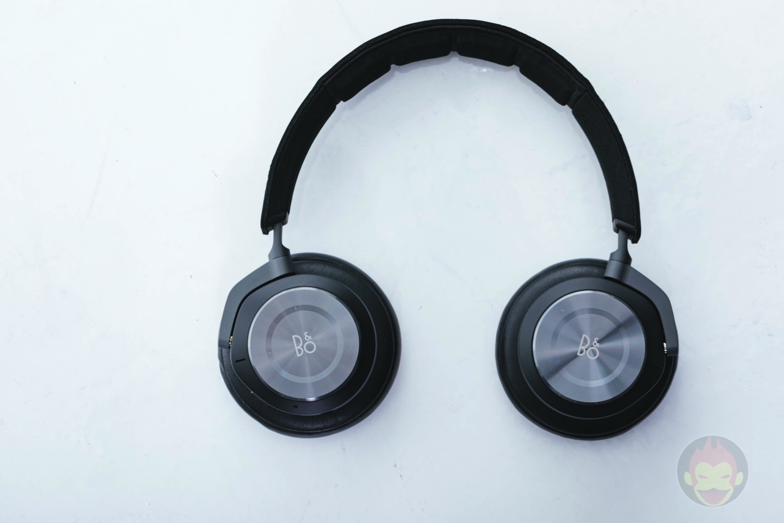 Beoplay H9i Headphone Review 01