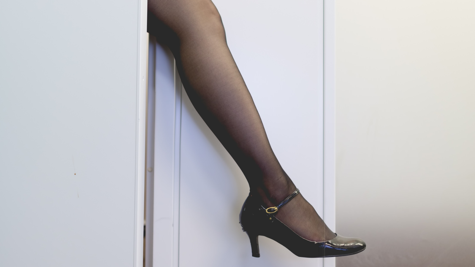 Day-of-stocking-pakutaso.jpg