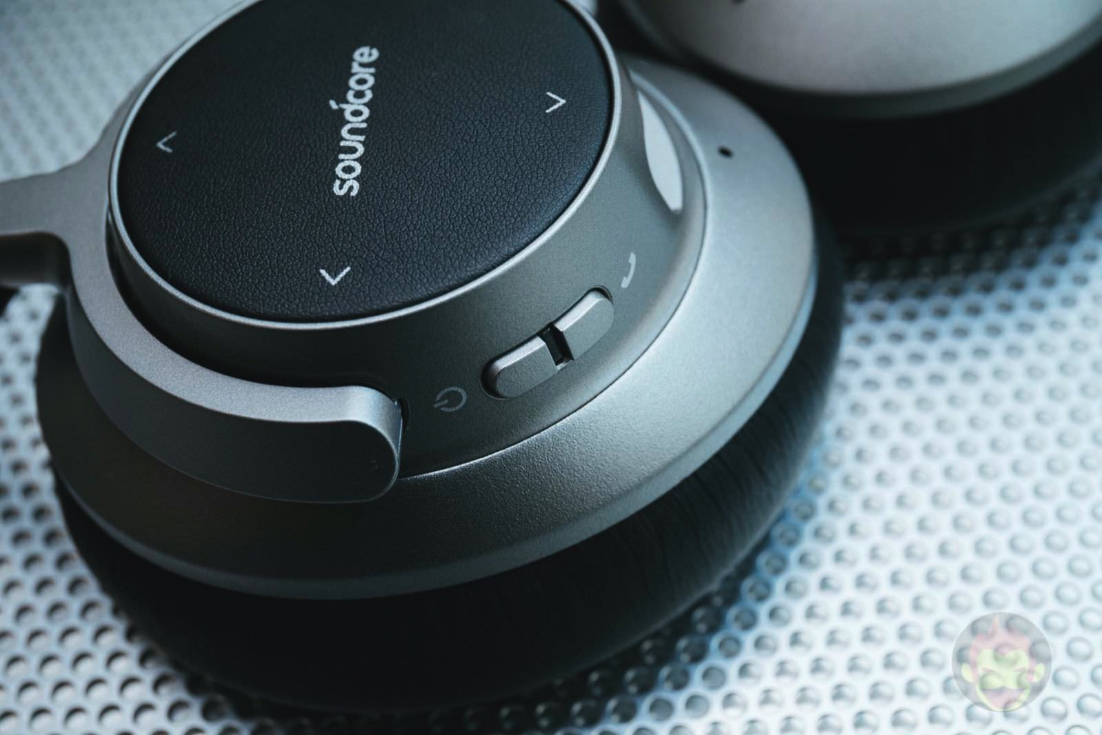 Soundcore-Space-NC-Wireless-Headphones-09.jpg