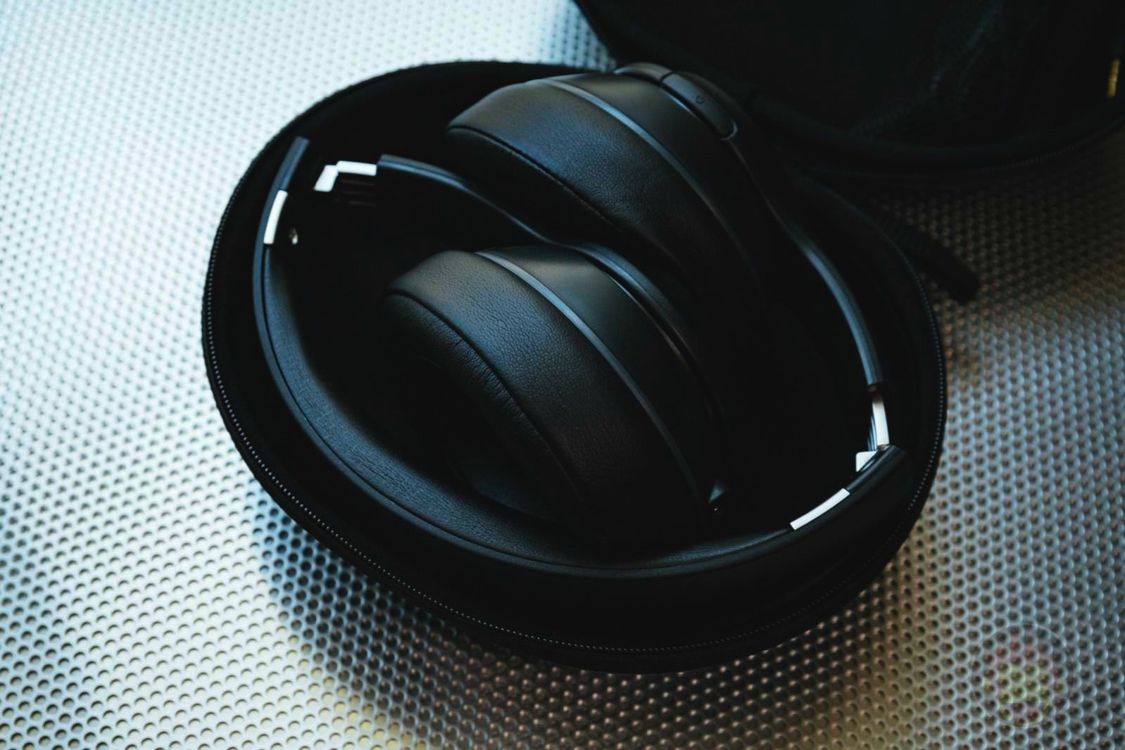 Soundcore Vortex Wireless Headphones 02