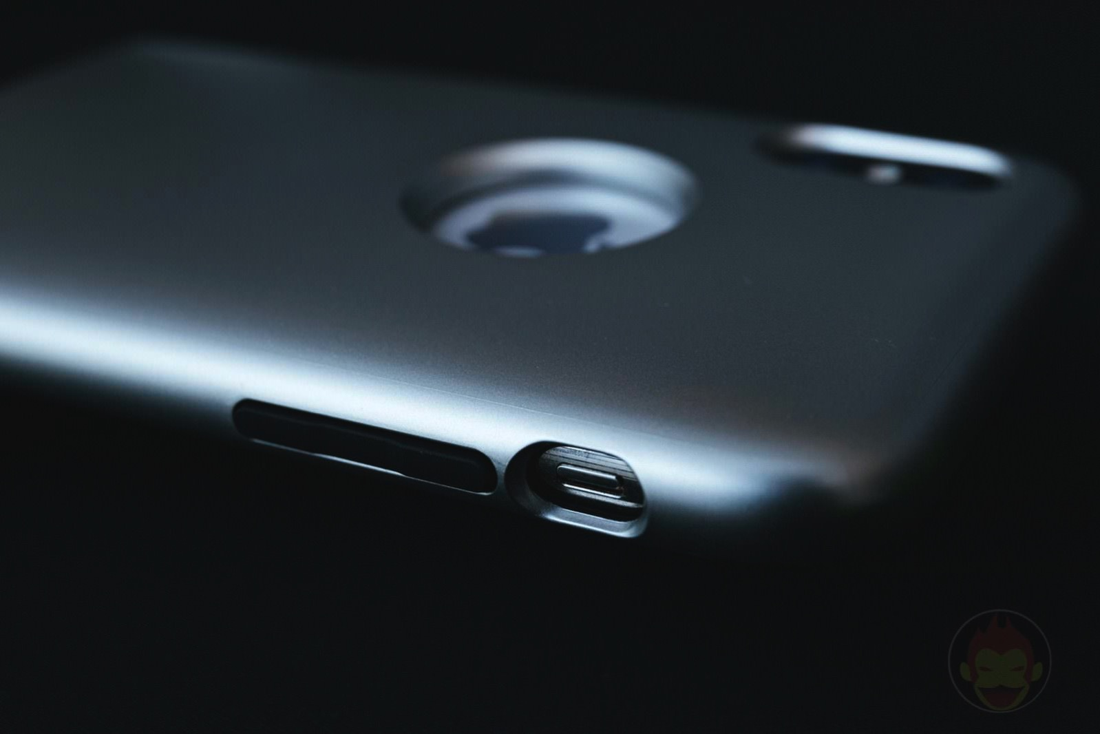 Spigen-iPhoenX-Case-Classic-One-04.jpg