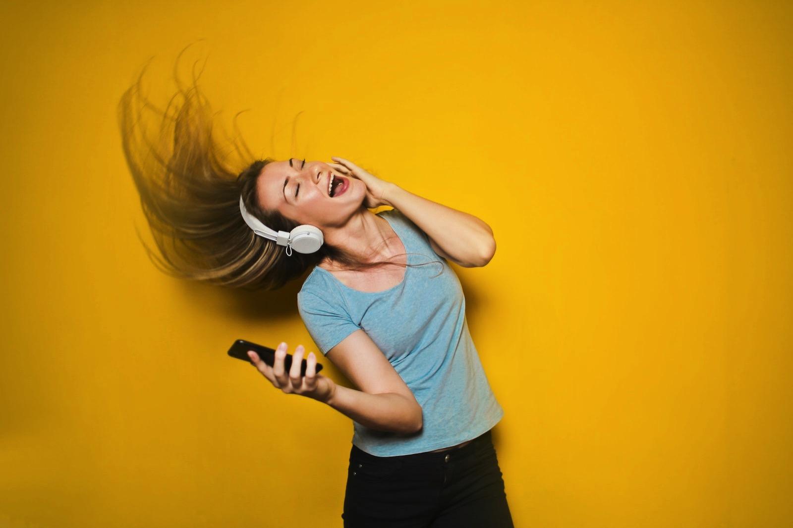 beautiful-cellphone-cute-761963-apple-music.jpg