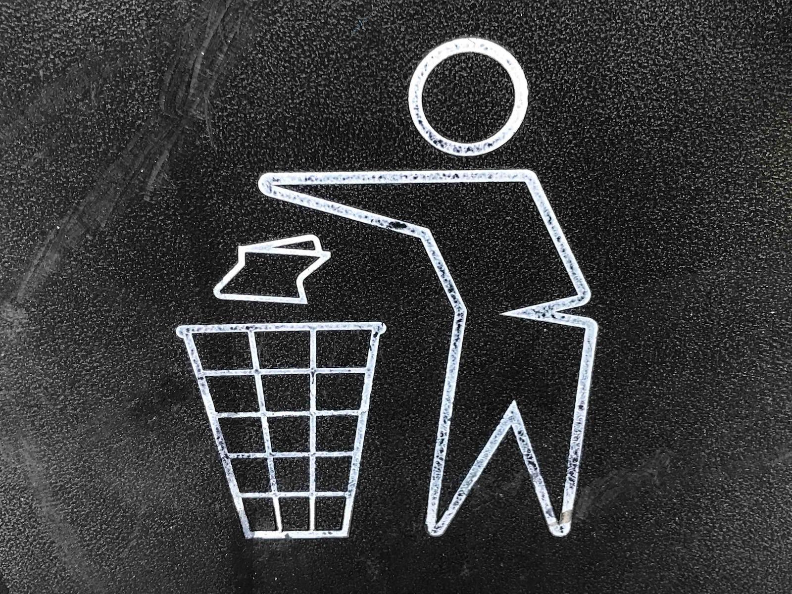Gary chan 351213 unsplash trash can