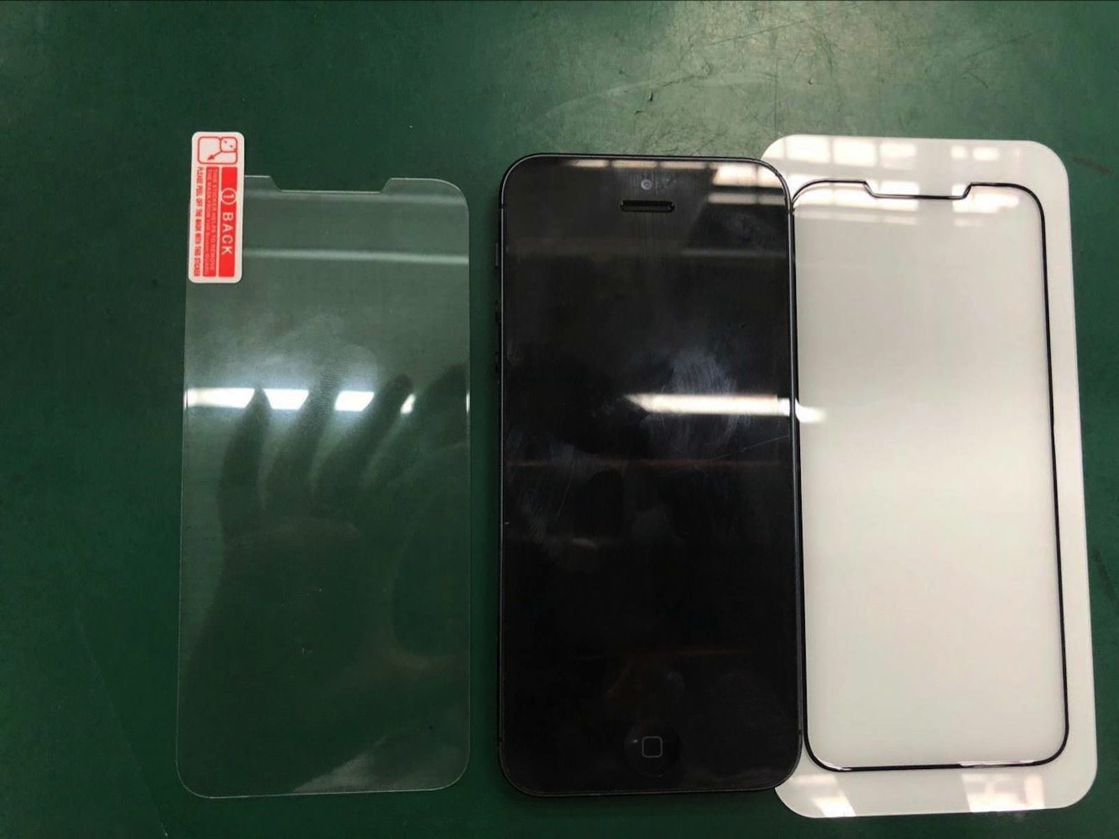 iphone-se-2-2018-factory-photos.jpg