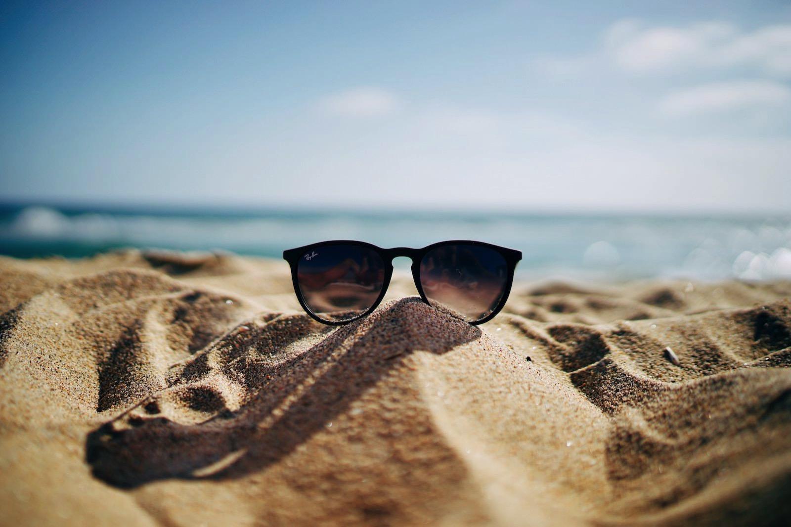 Ethan robertson 134952 unsplash summer and sunglasses
