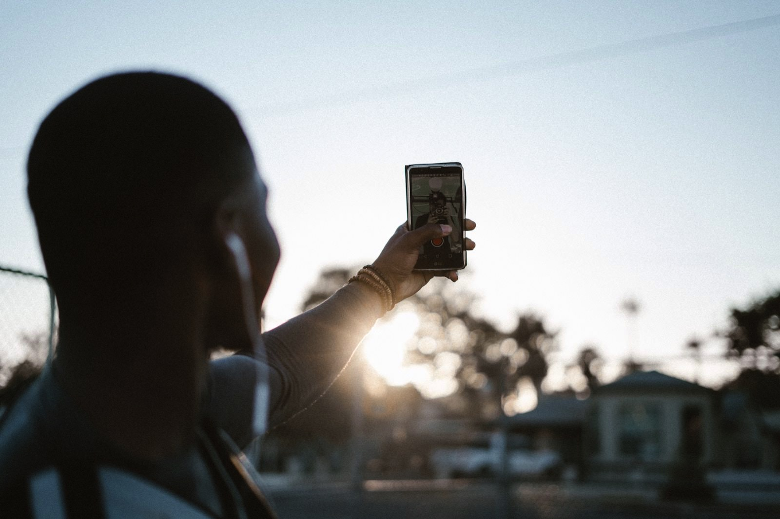 Levi elizaga 454770 unsplash taking a selfie