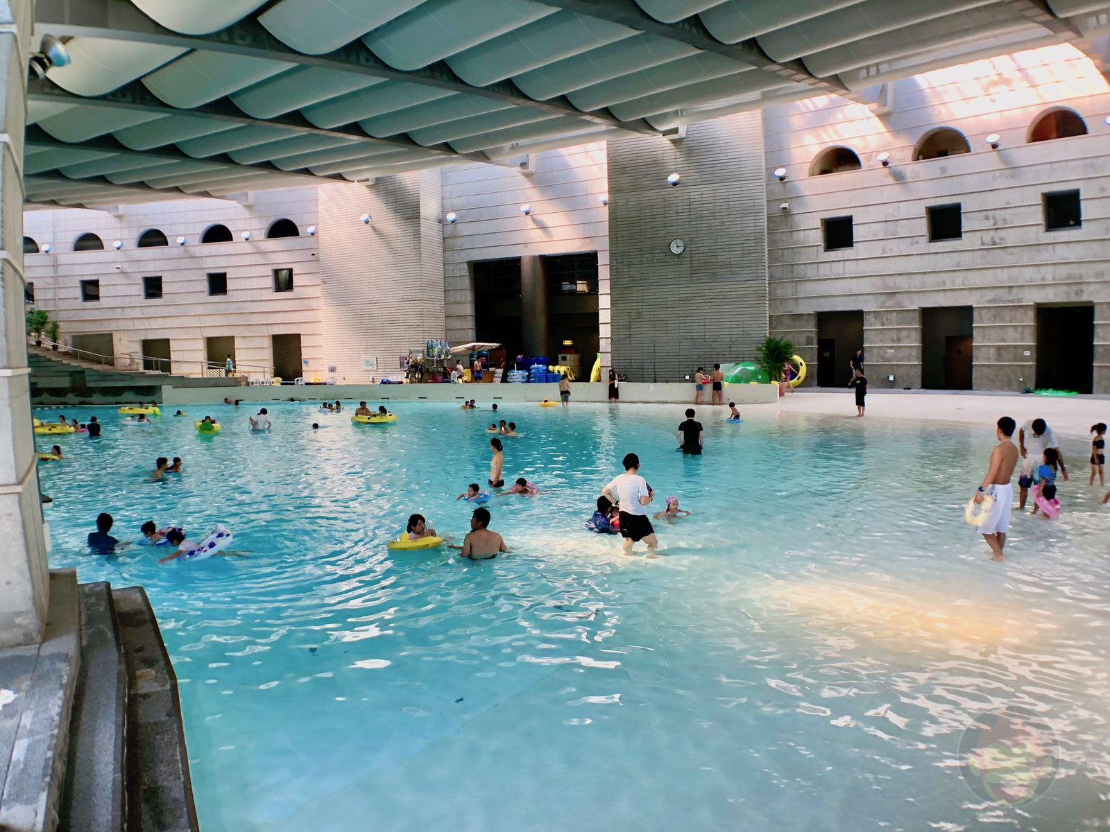 Hoshino Resonalre Yatsugatake Pool 02