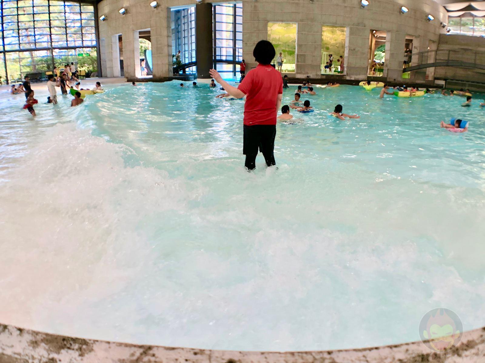 Hoshino Resonalre Yatsugatake Pool 04