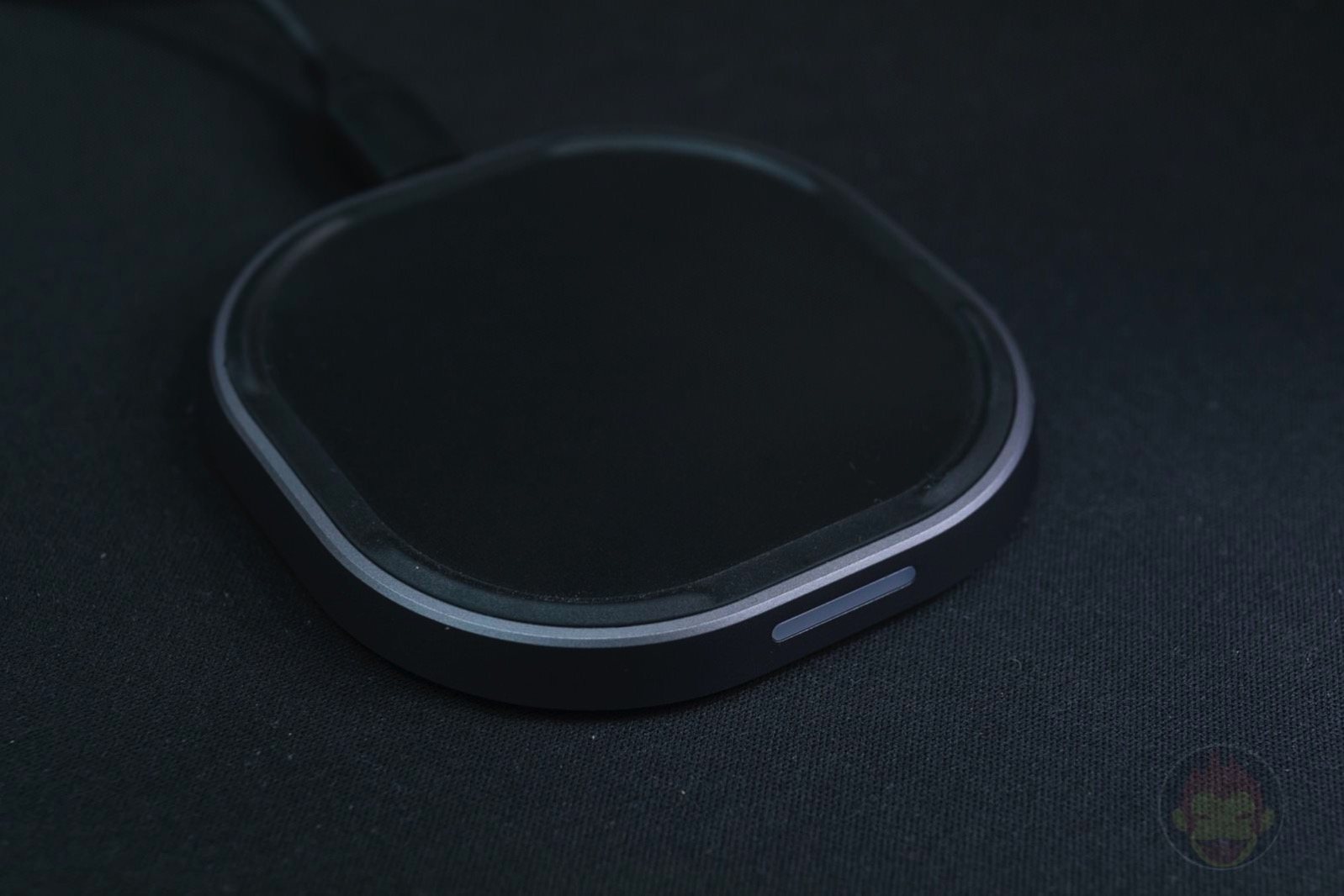 TUNEWEAR 10W Plus WIRELESS CHARGER 04