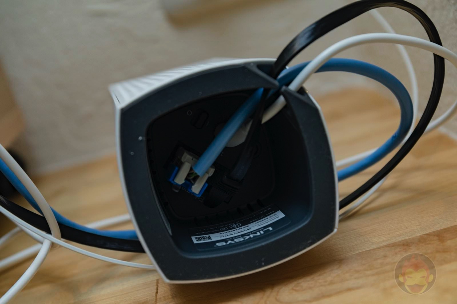 Linksys-Velop-WiFi-Router-08.jpg