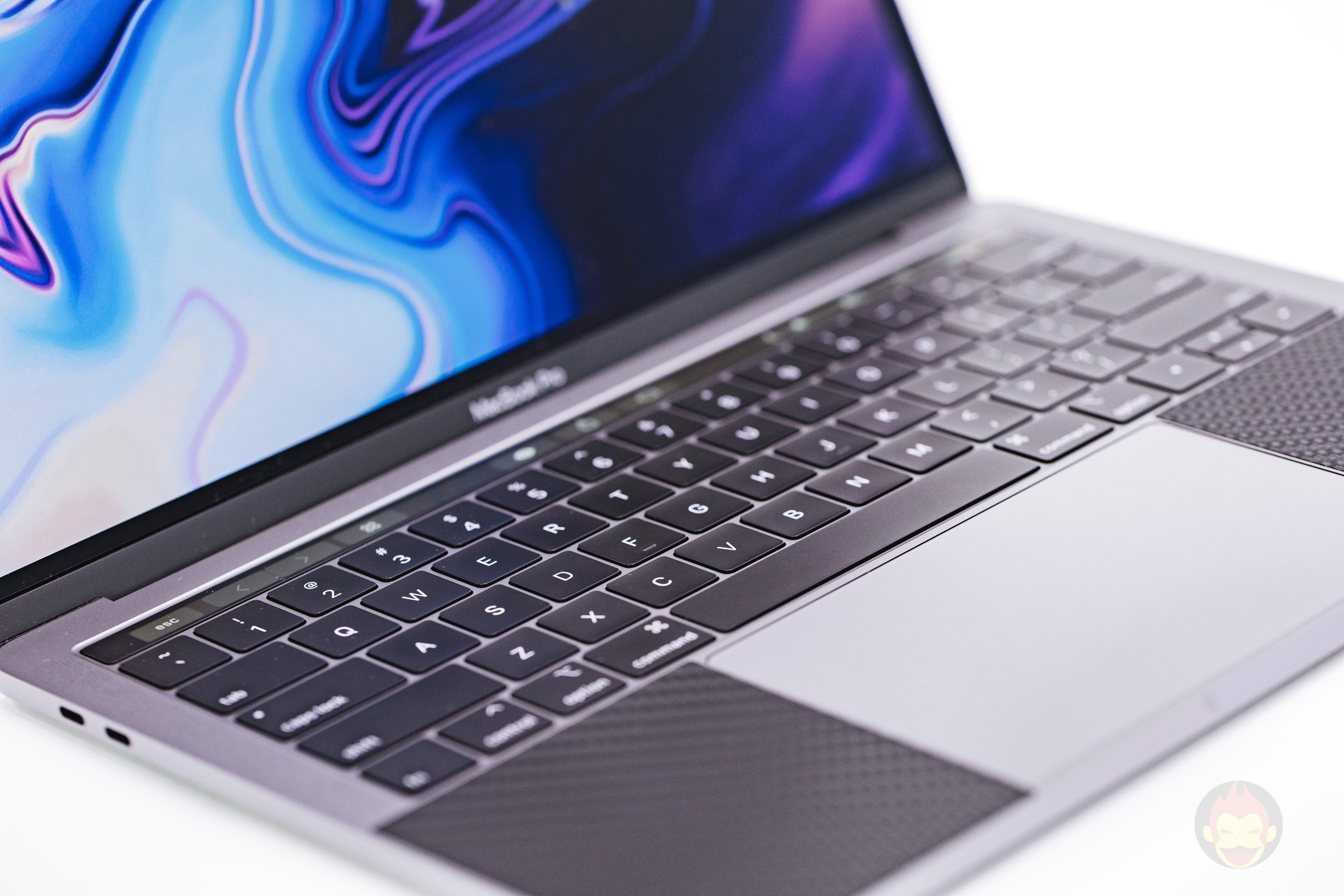 MacBook Pro(2018) 13inch Review 04
