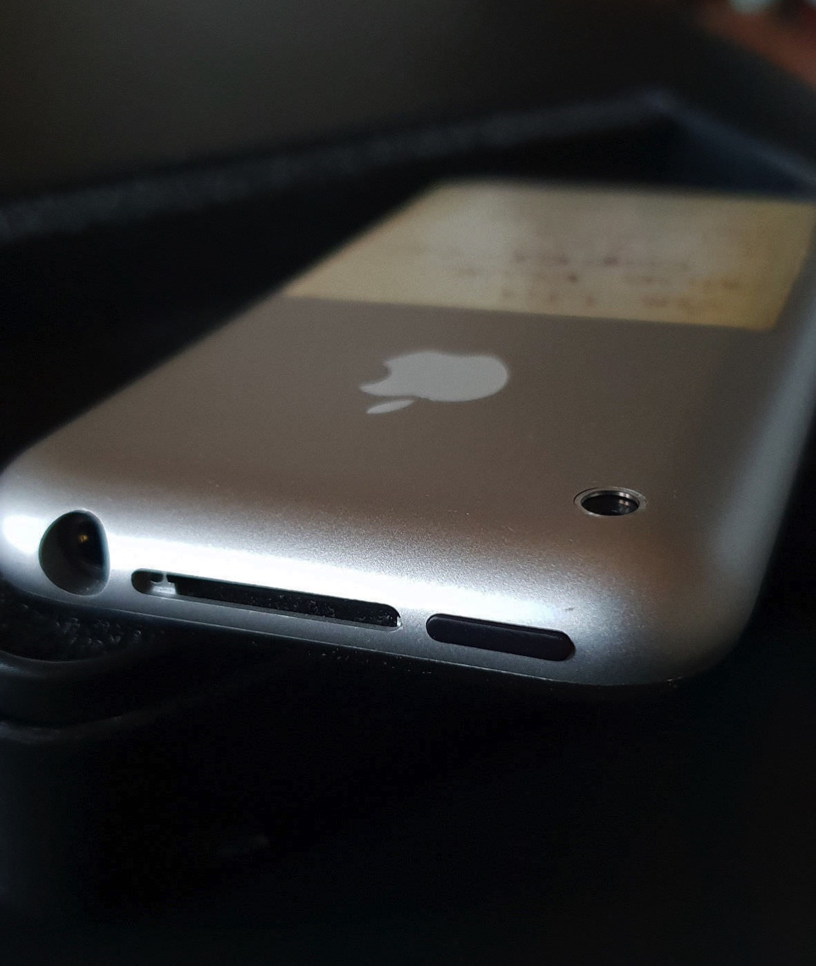 Prototype-Original-iPhone-on-ebay-2-2.jpg