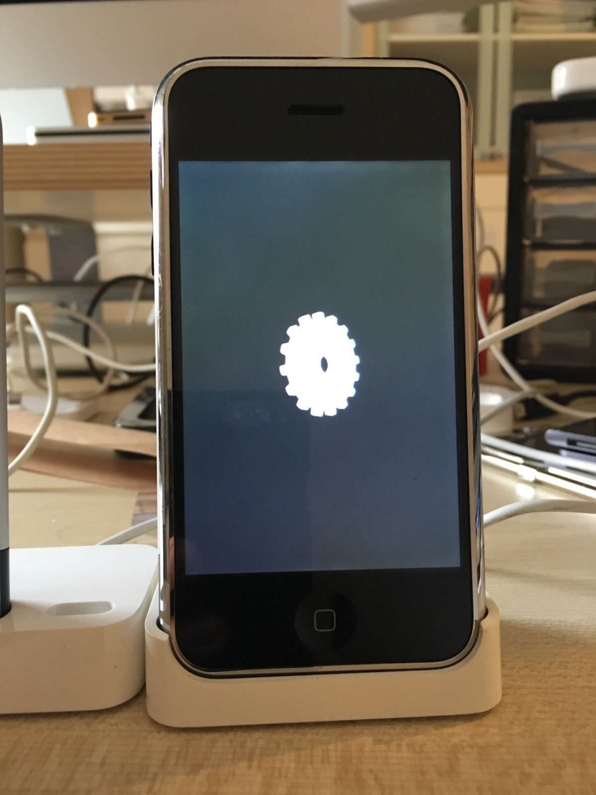 Prototype-Original-iPhone-on-ebay-5.jpg