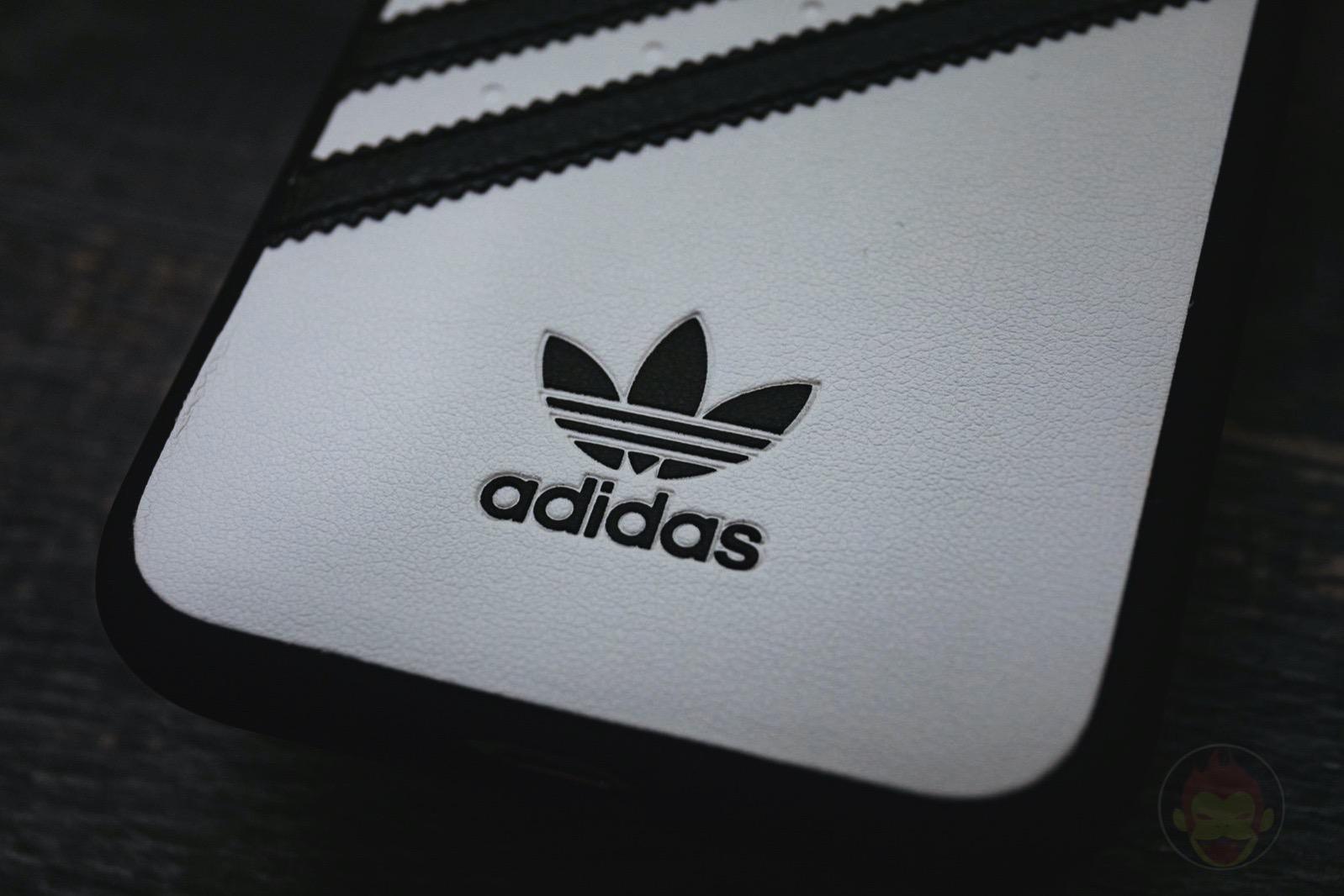 Adidas Originals Moulded Case SAMBA0iPhoneX WhiteBlack 02