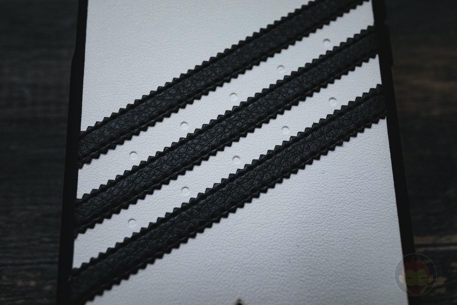 Adidas Originals Moulded Case SAMBA0iPhoneX WhiteBlack 03