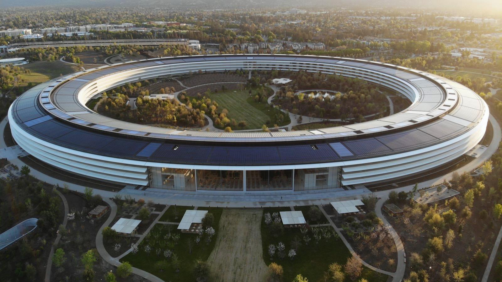 carles-rabada-635092-unsplash-Apple-Park-from-above.jpg