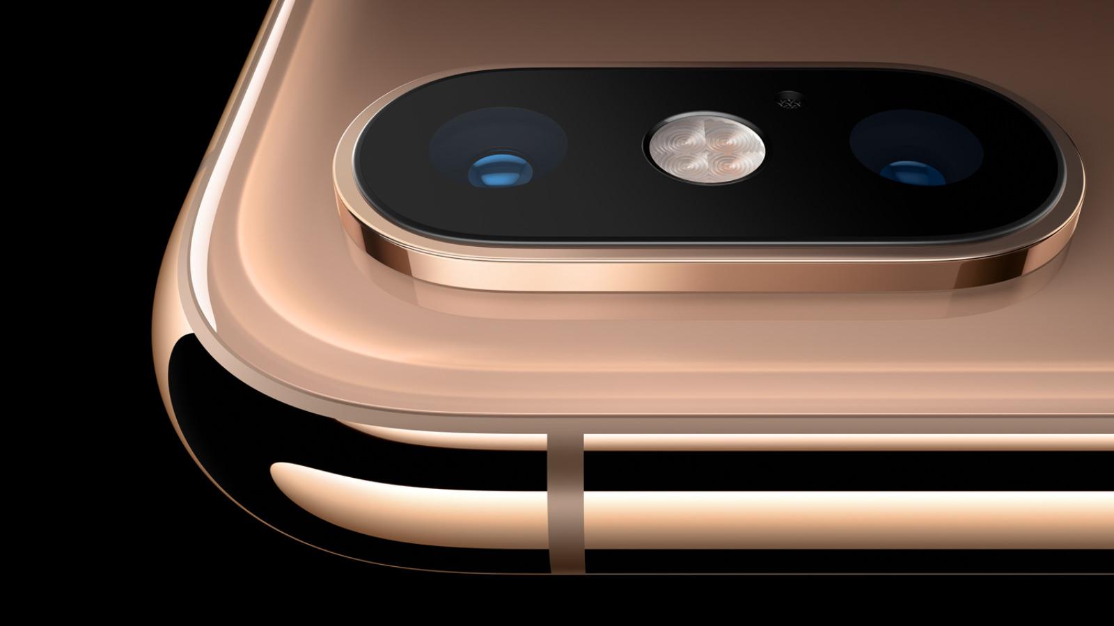 iphone-xs-camera-in-gold.jpg