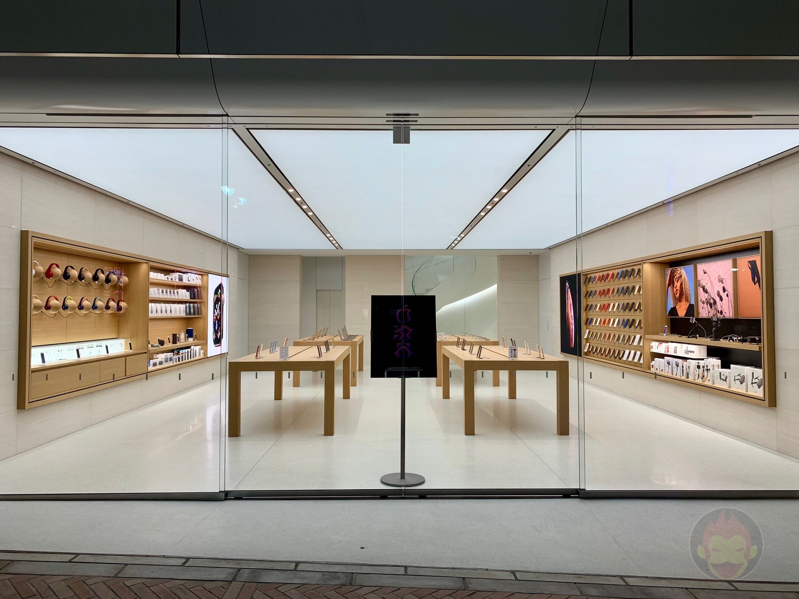 Apple Shibuya Before Renewal Open 02