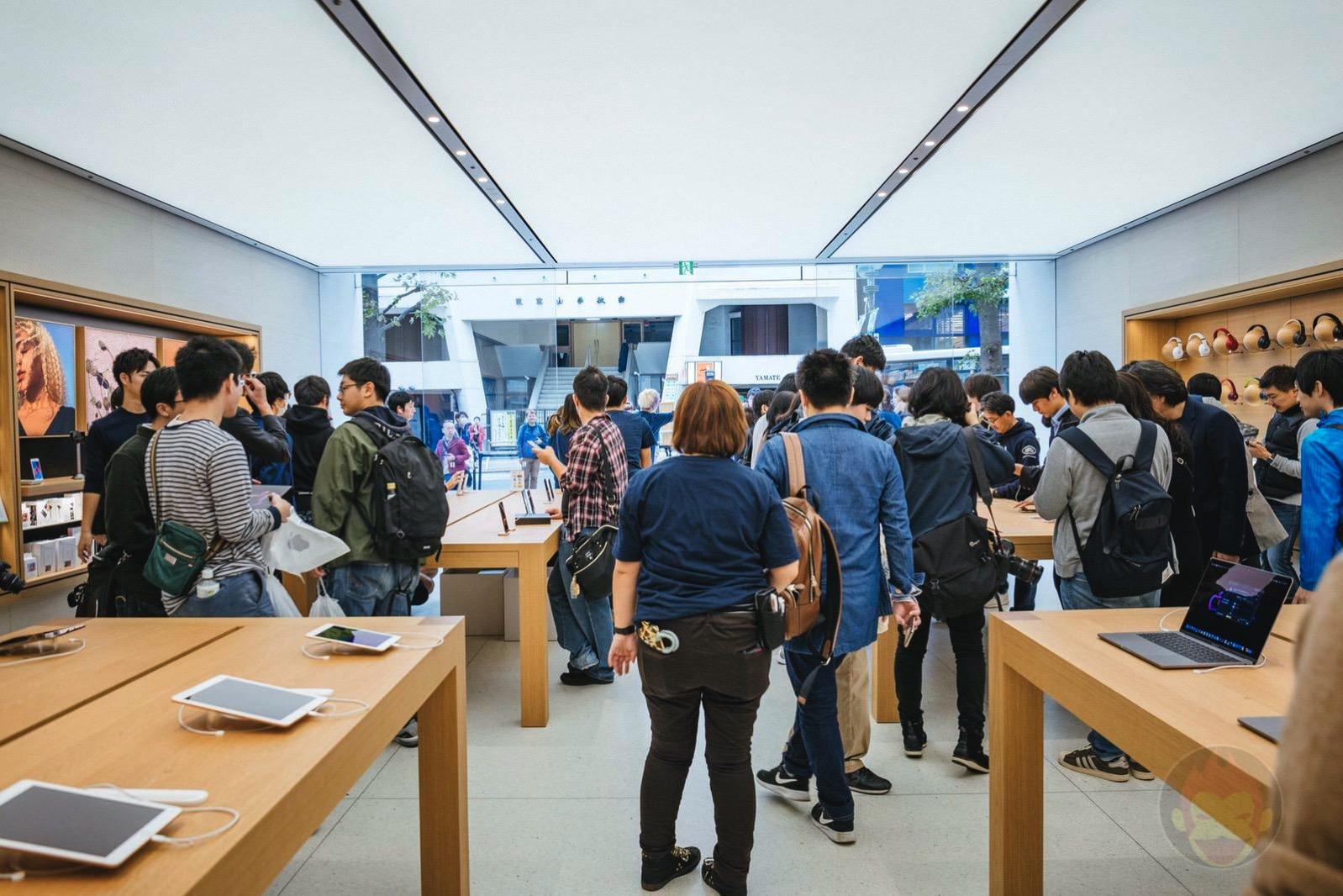 Apple-Shibuya-Before-Renewal-Open-17.jpg