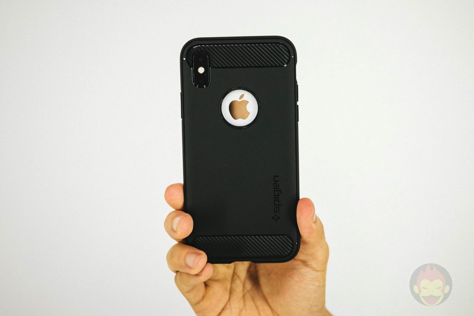 Spigen Rugged Armor iphone XS 05