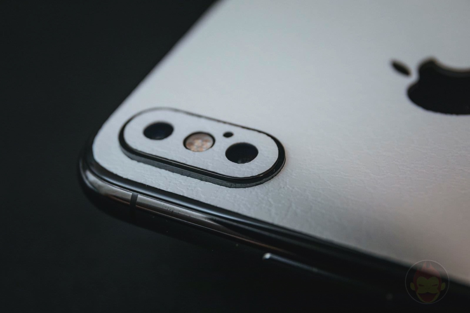 Wraplus white leather skin for iphonexsmax05