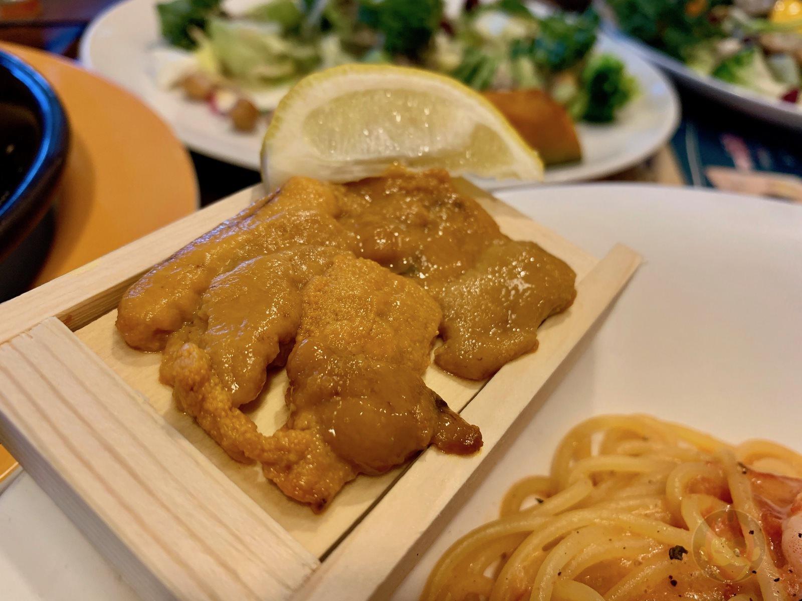 4-men-eat-dinner-at-Jonathans-12.jpg