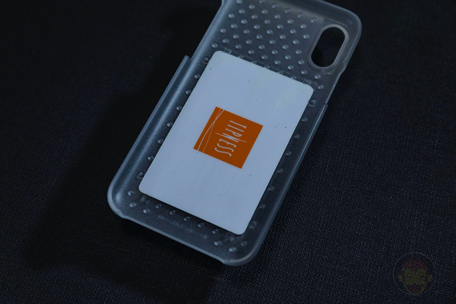 AndMesh-Haptic-Case-for-iPhone-07.jpg