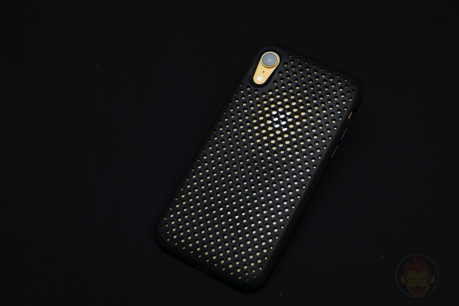 AndMesh Mesh Case for iPhone XR 01