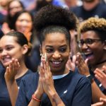 Apple-build-campus-in-Austin-and-in-US-Apple-team-members-clapping-12132018.jpg