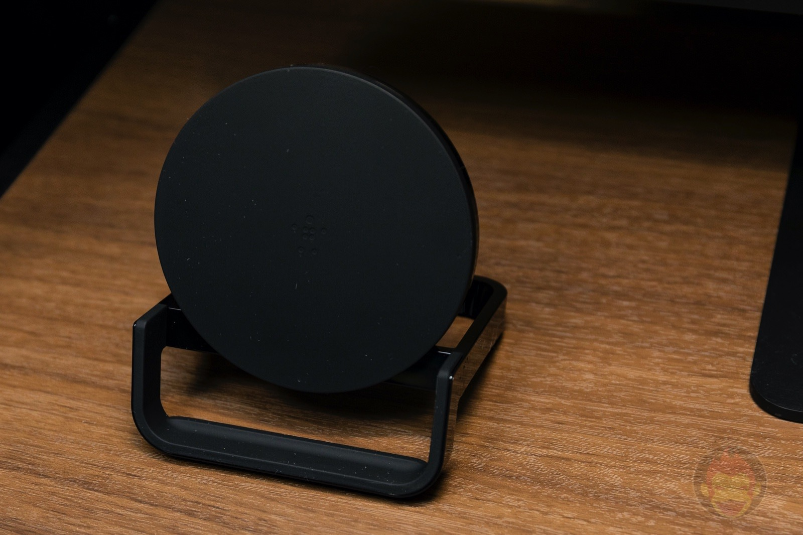 Belkin Boost Up Wireless Charger 05