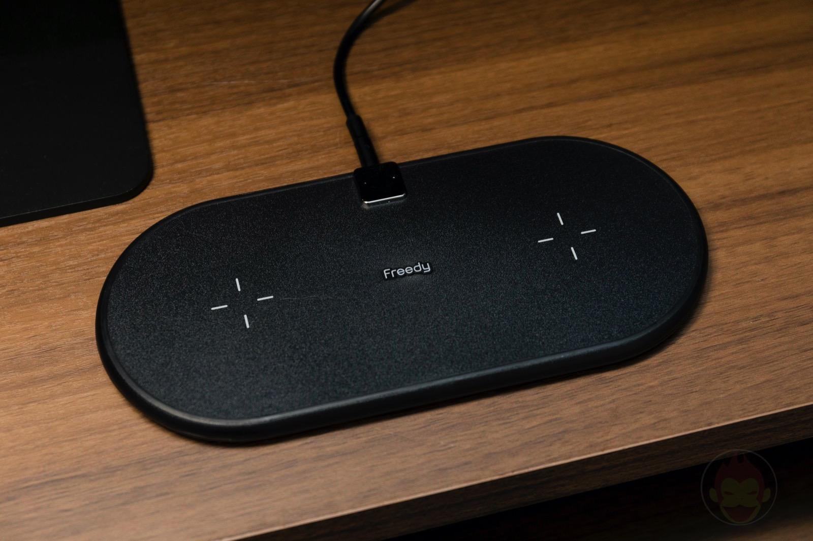 Freedy-Qi-Flex-Dual-Wireless-pad-03.jpg