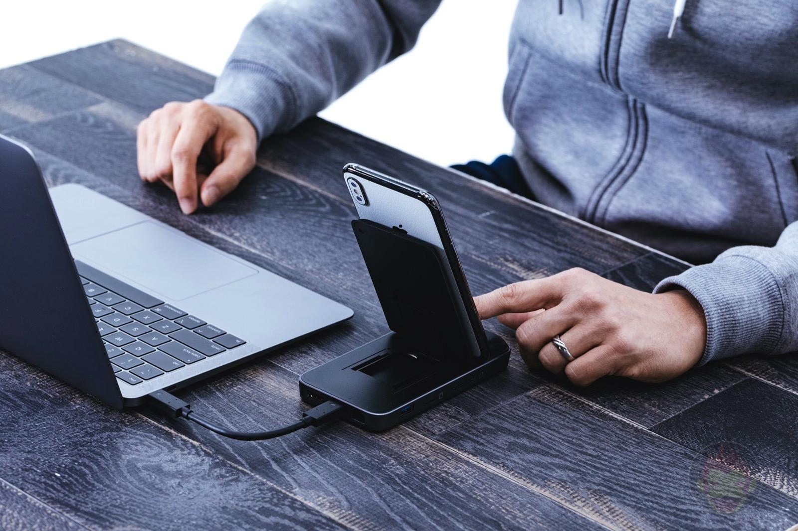 HyperDrive-Wireless-Charger-USBC-Hub-Review-05.jpg