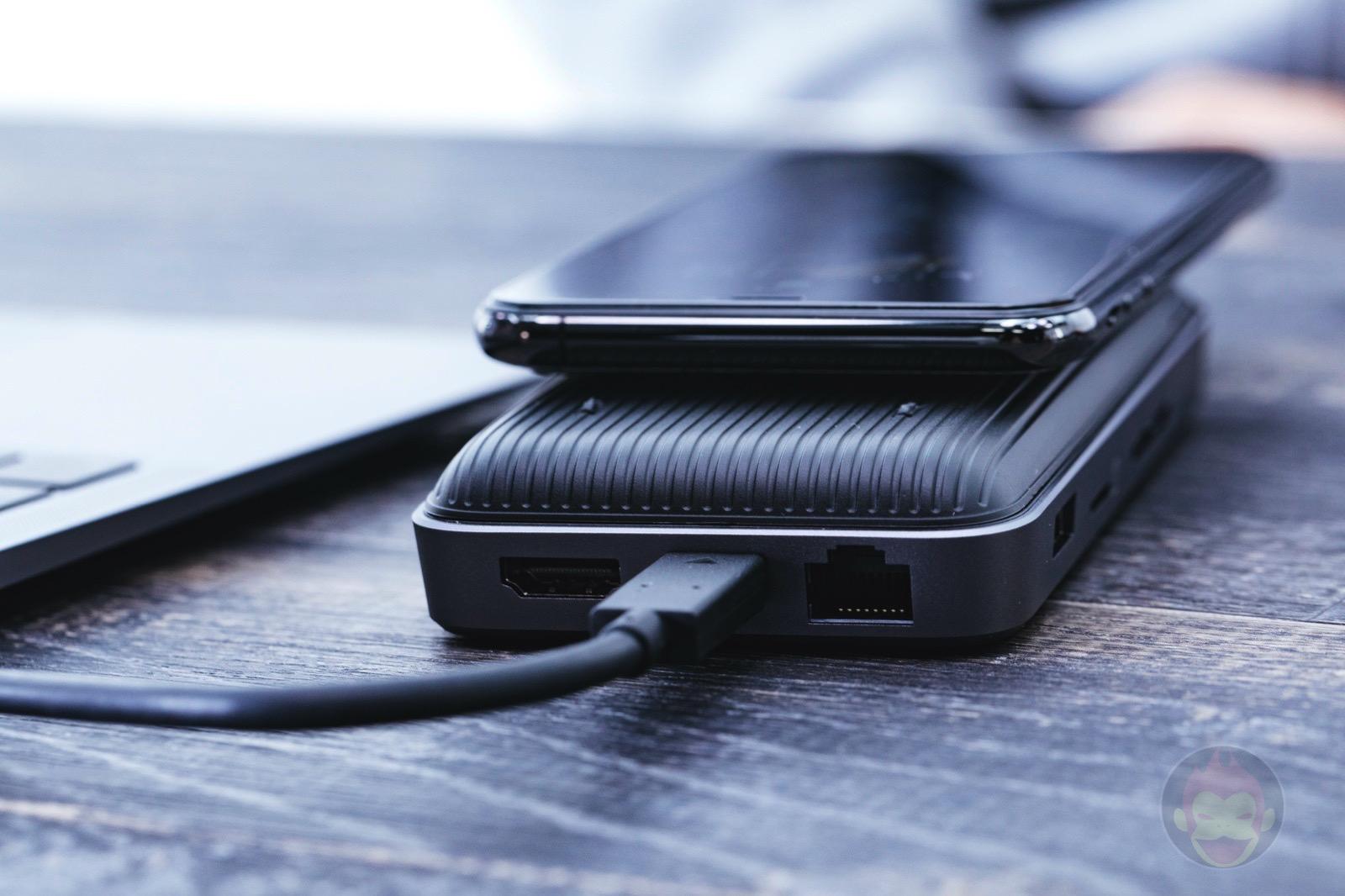 HyperDrive-Wireless-Charger-USBC-Hub-Review-12.jpg