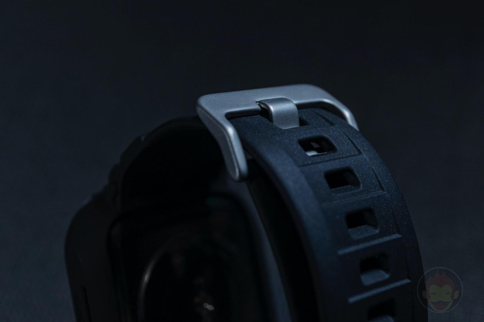 Spigen-Rugged-Armor-Pro-Apple-Watch-Band-and-case-04.jpg