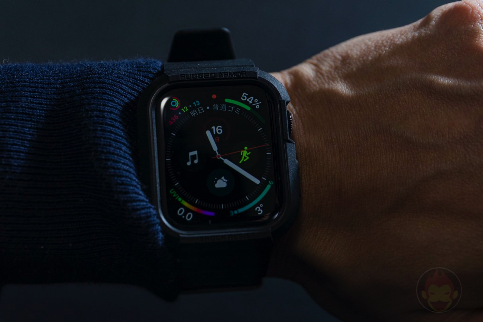 Spigen-Rugged-Armor-Pro-Apple-Watch-Band-and-case-14.jpg