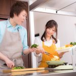 FCFG100122303_TP_V-cooking-together.jpg