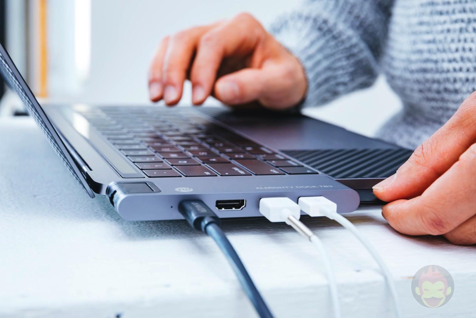 Tunewear-Almighty-TB3-Dock-for-MacBookPro2018-06.jpg