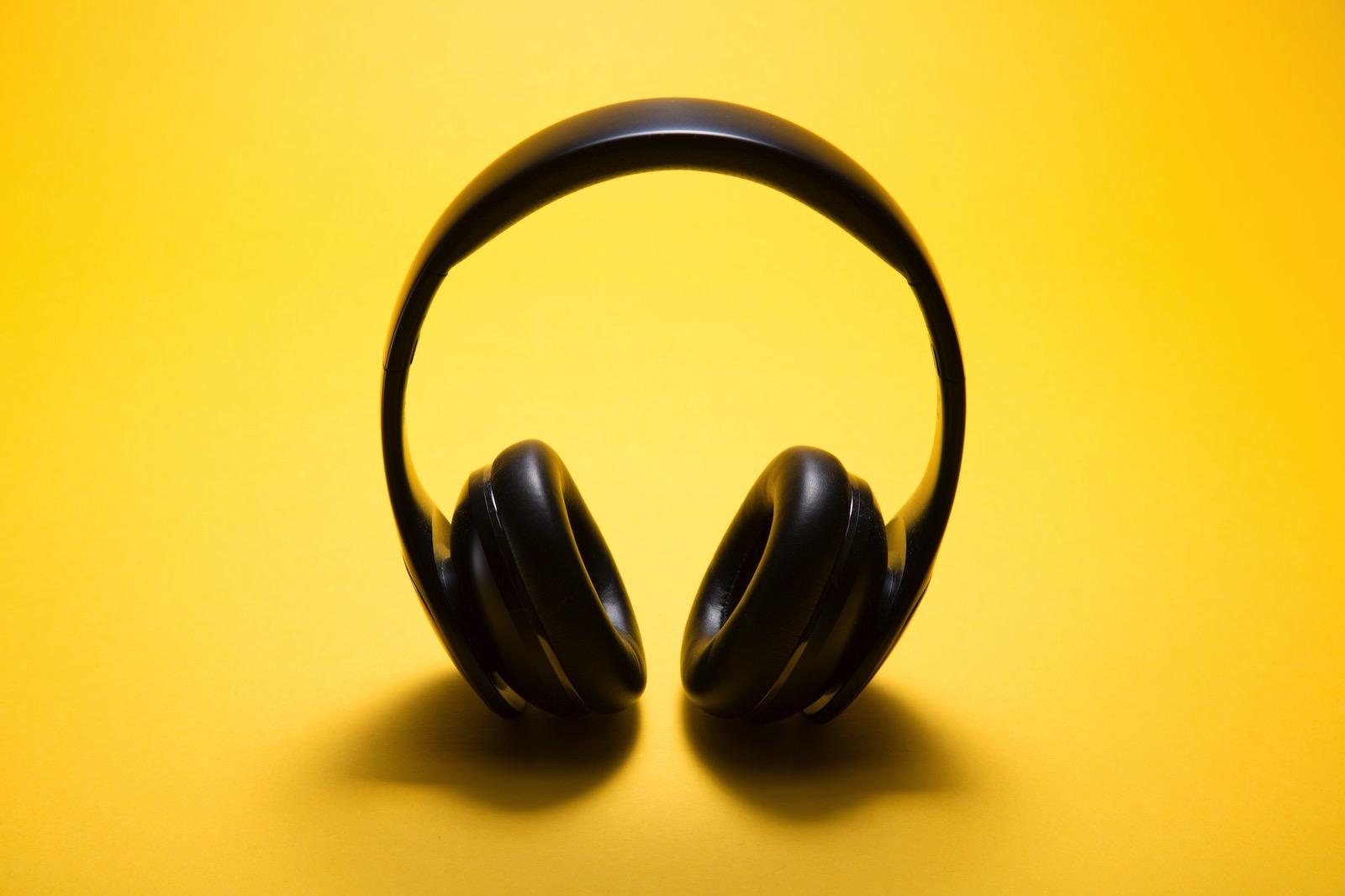 malte-wingen-381987-unsplash-headphone.jpg