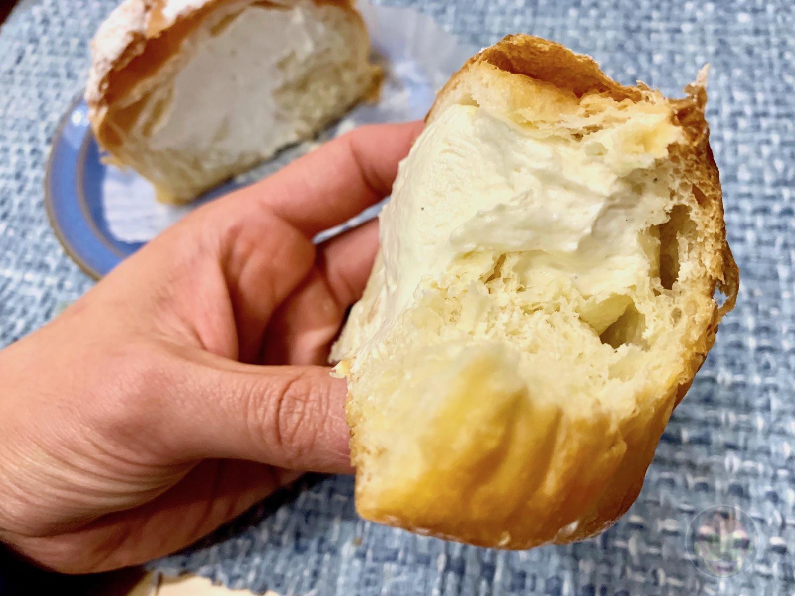 Costco-Croissant-cream-puff-07.jpg