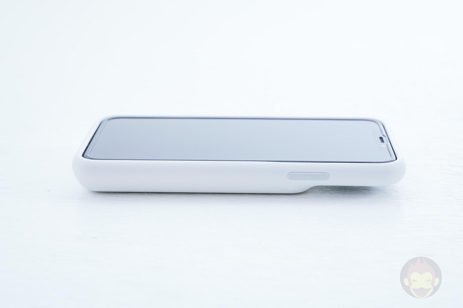Smart-Battery-Case-for-iPhoneXS-Review-03.jpg