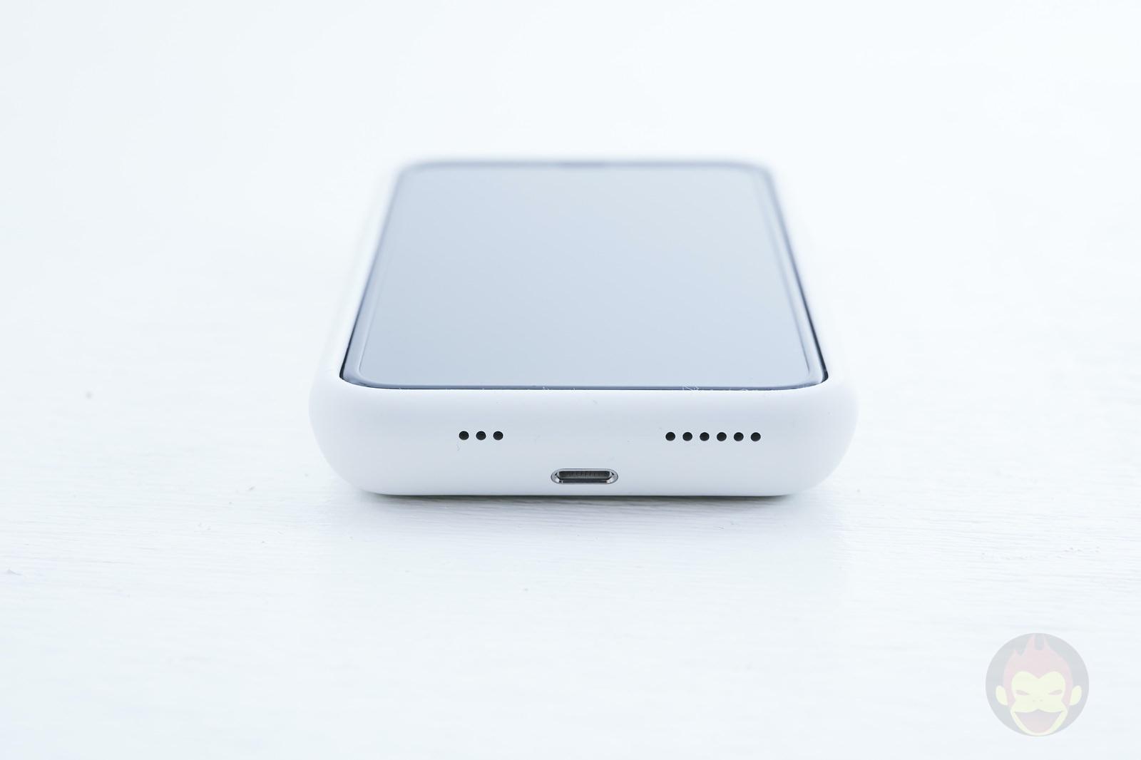 Smart-Battery-Case-for-iPhoneXS-Review-04.jpg
