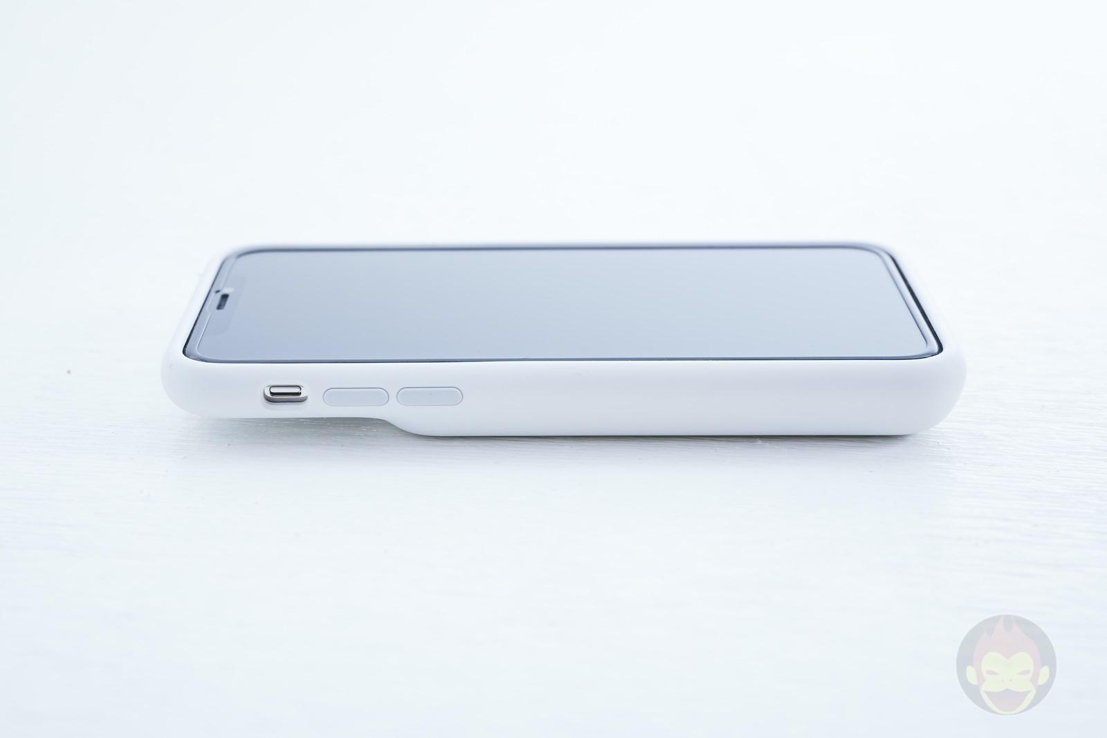 Smart-Battery-Case-for-iPhoneXS-Review-05.jpg