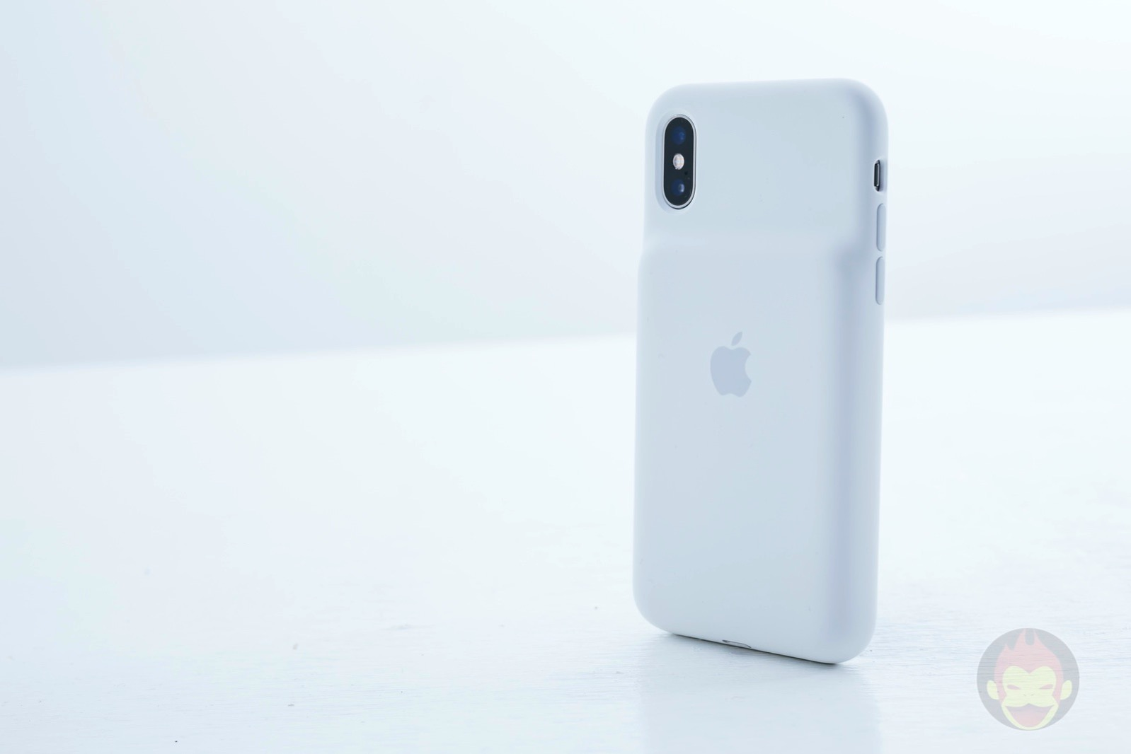Smart Battery Case for iPhoneXS Review 11