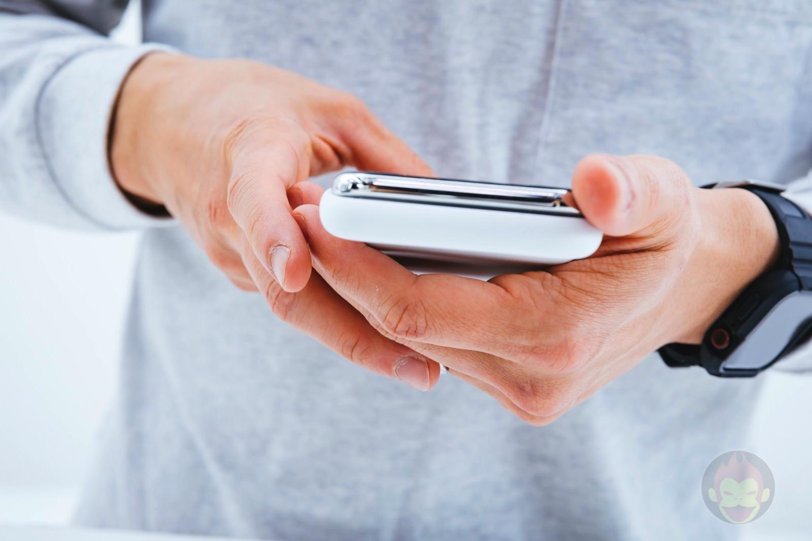 Smart-Battery-Case-for-iPhoneXS-Review-23.jpg