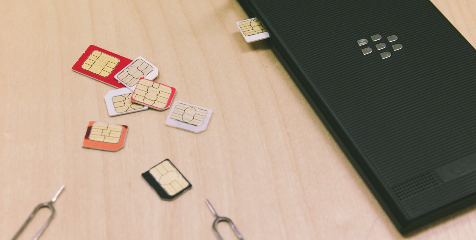 UNI15042555IMG 1751 TP V SIM card
