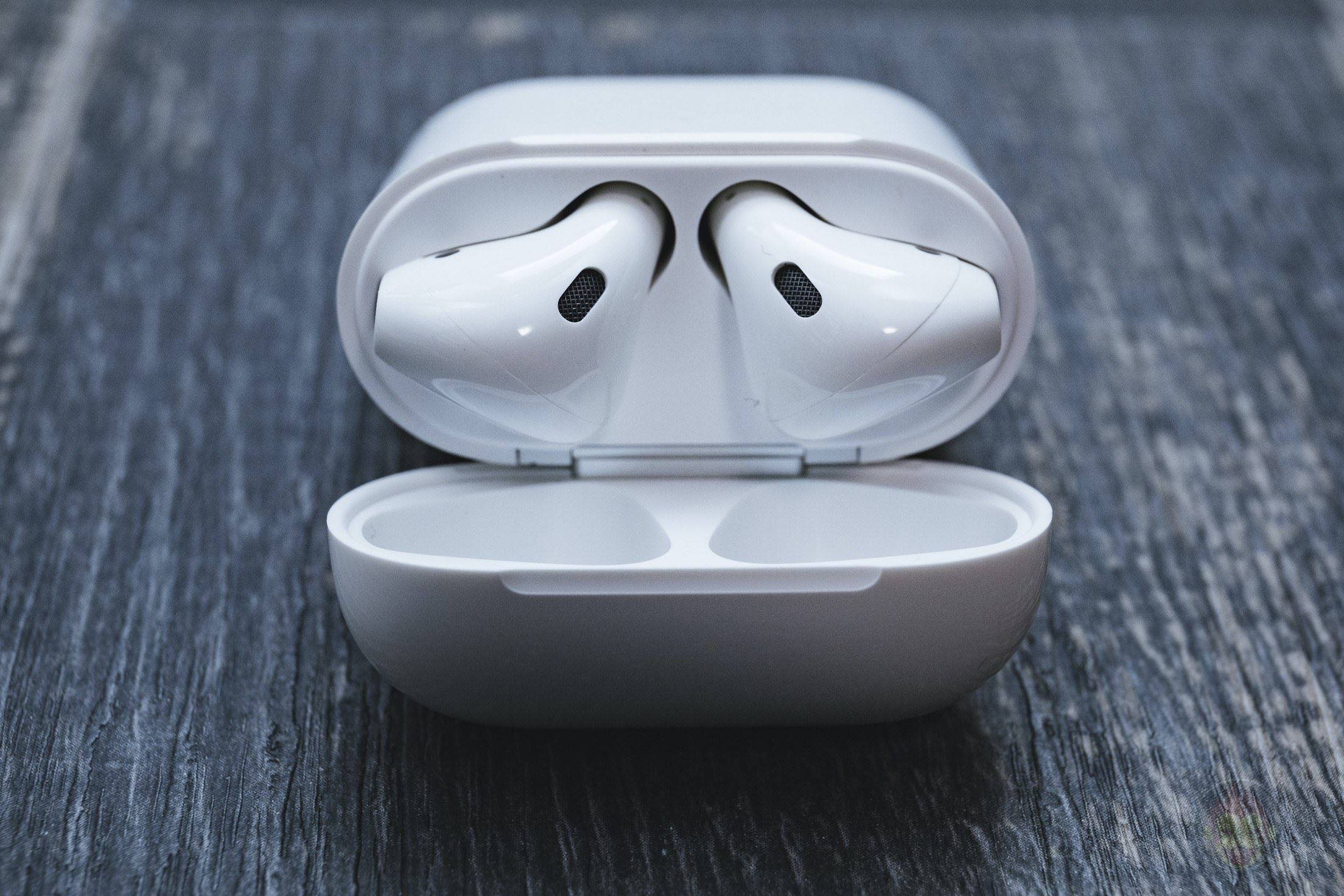 AirPods-2nd-Generation-2019-Review-12.jpg