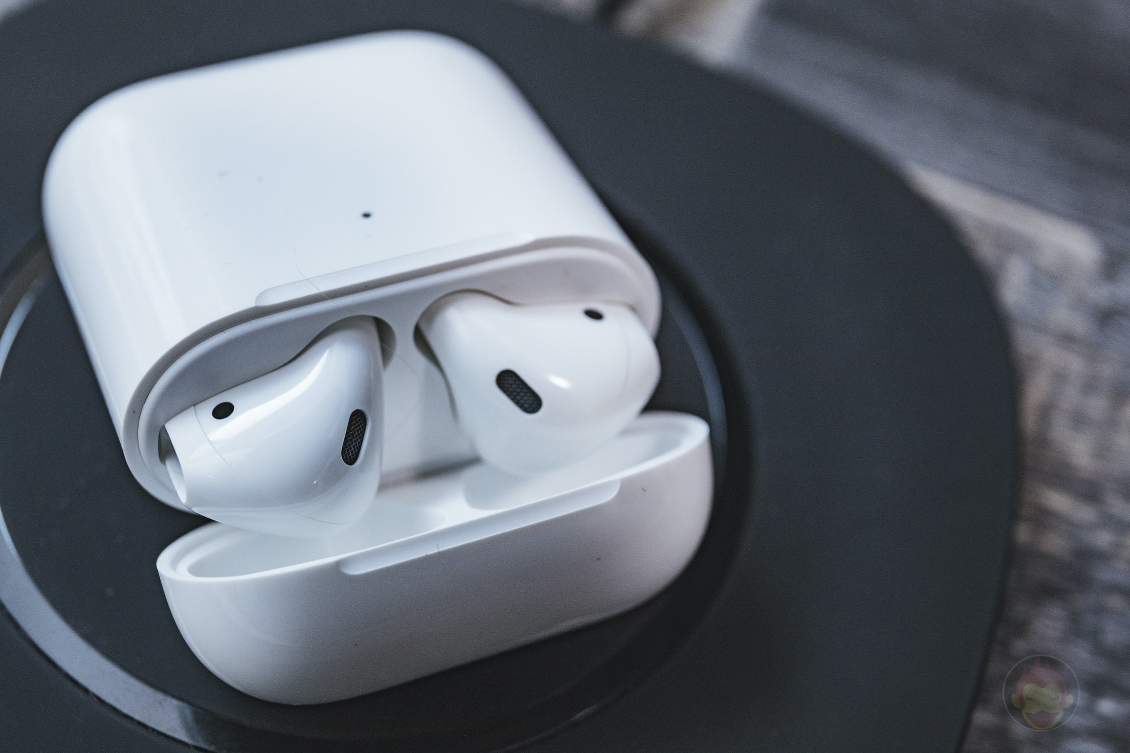 AirPods-2nd-Generation-2019-Review-25.jpg