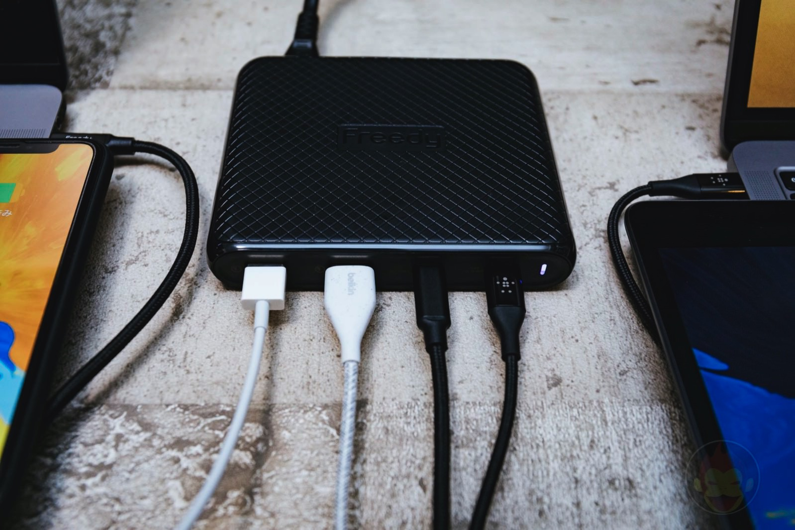 Freedy-90W-Multiport-Charger-Review-07.jpg