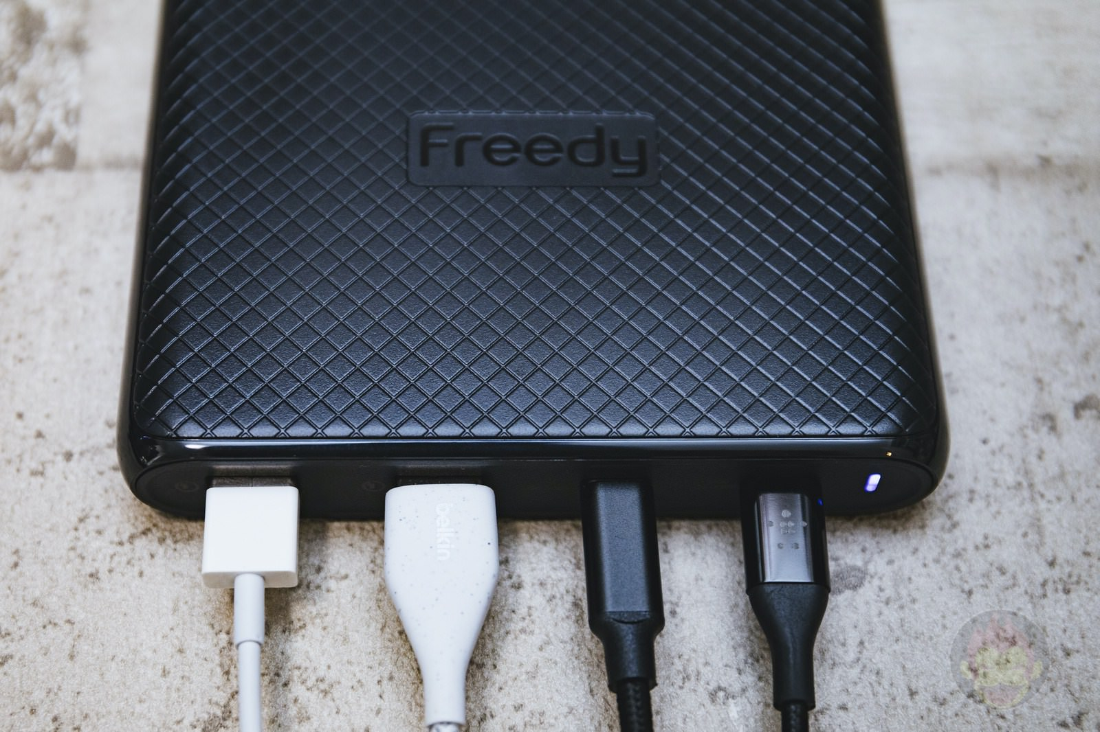 Freedy 90W Multiport Charger Review 09