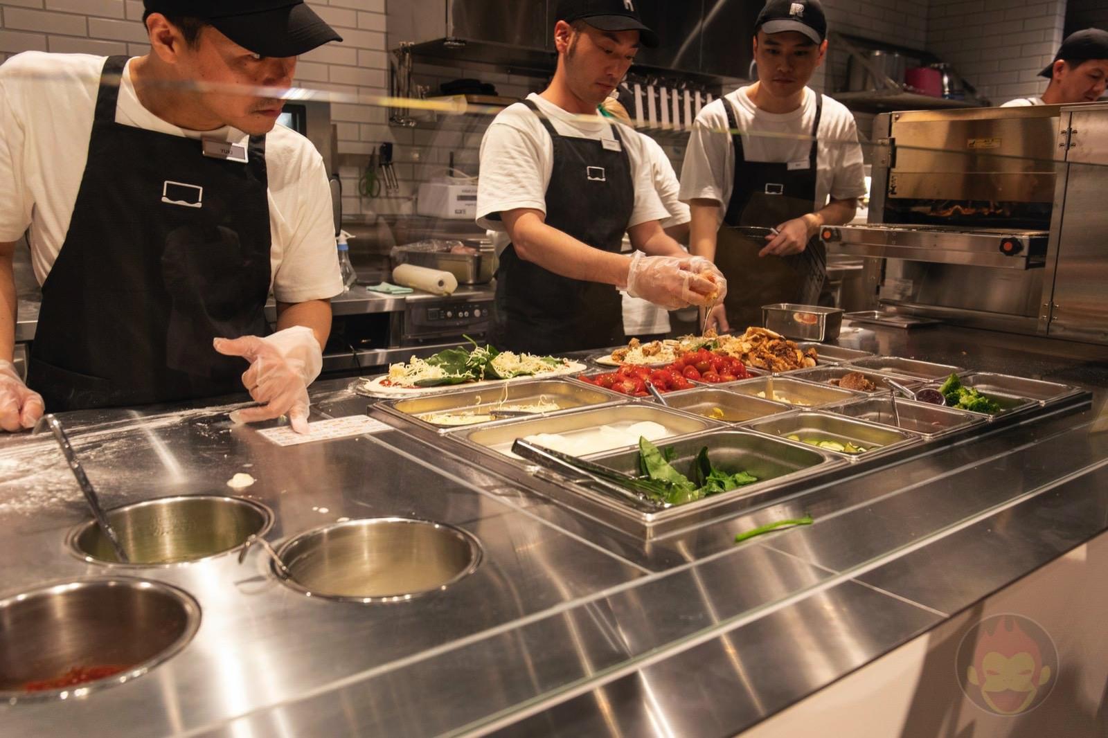 R Pizza Grand Open Roppongi Hills 02